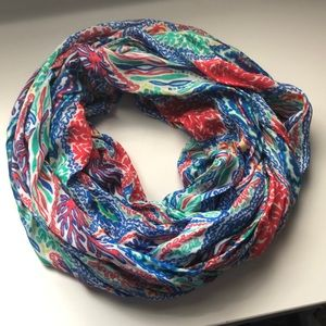 Gently use Lilly Pulitzer infinity scarf